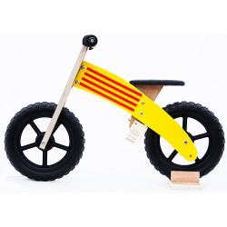 Xicbici Catalana: Bicicleta catalana de fusta sense pedals