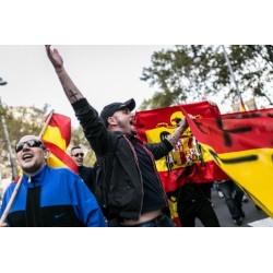 """Llibre """"Plus ultra - crònica gràfica de l'espanyolisme a Catalunya"""""""