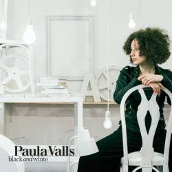 CD Paula Valls - Black and White